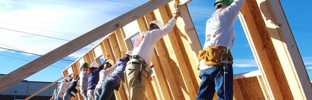 Collega Peter Bruel gaat bouwen voor Habitat
